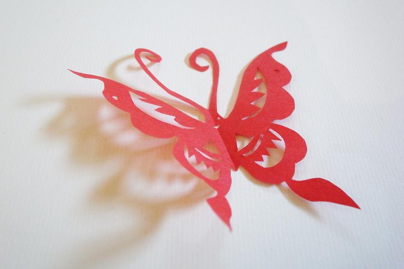 『中国の蝶』切り紙イメージ